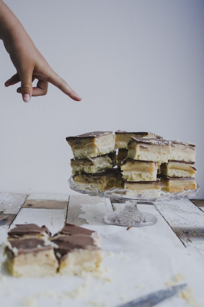 How to make Easy Millionaire's Shortbread on feedingboys.co.uk