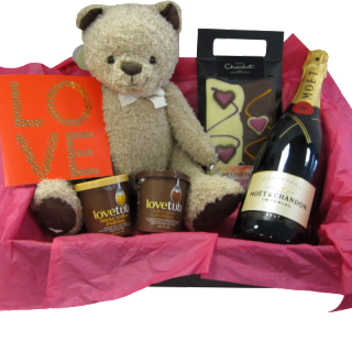 Win valentine lovetub hamper worth £60