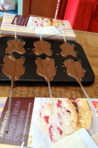 chocolate lollies setting