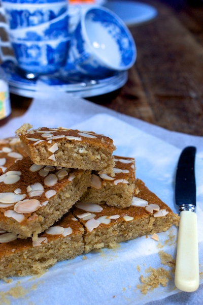 Sticky honey, almond and banana cakes