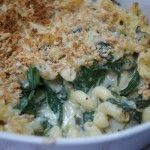 Spinach, leek and cheese pasta bake