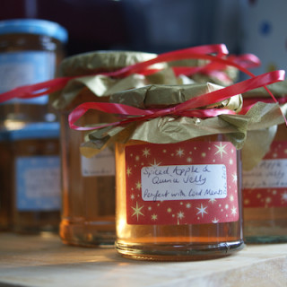 Home made gift: Spiced Apple and Quince Jelly