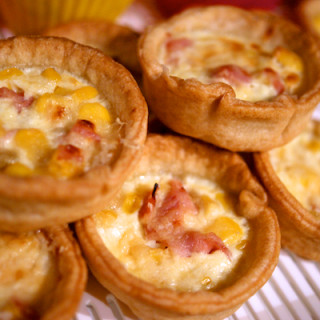 Packed lunch mini quiches