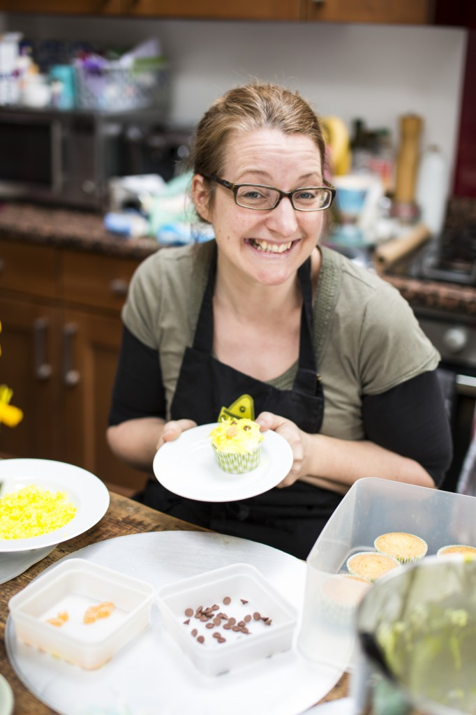 Katie Bryson decorating cakes