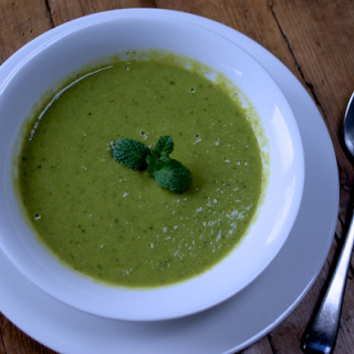Pea, mint and lemon soup