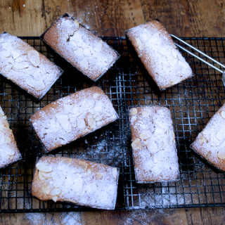 Rhubarb and orange mini loaf cakes