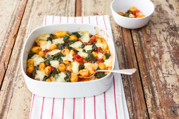 Gnochhi bake with spinach, tomato and mozzarella