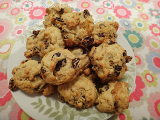 The More Than Occasional Baker's cornflake and raisin cookies