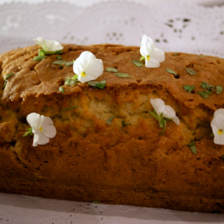 Courgette, thyme and lemon drizzle cake