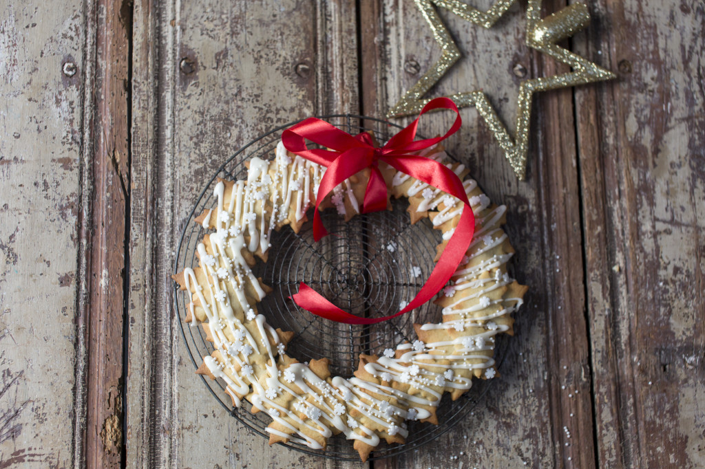 Christmas Biscuit Wreath by Katie Bryson for The Good Food Channel website
