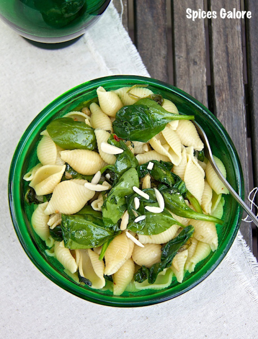 pasta_spinach_almonds_spices_galore