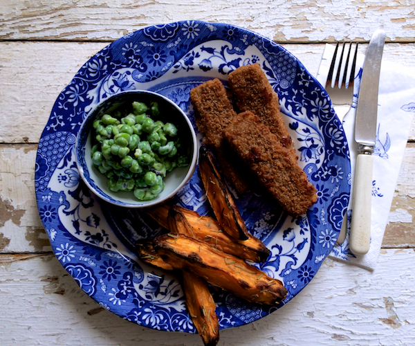 Wholegrain Fish Fingers, Sweet Potato Wedges and Crushed Minted Peas