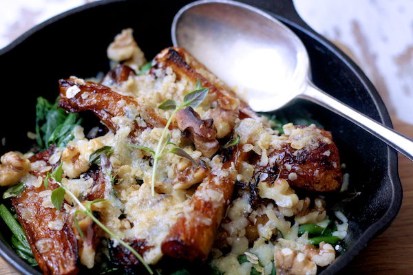 Spinach, Honey and Thyme Roasted Parsnips with a Cheddar Walnut Crumble by Katie Bryson on feedingboys.co.uk