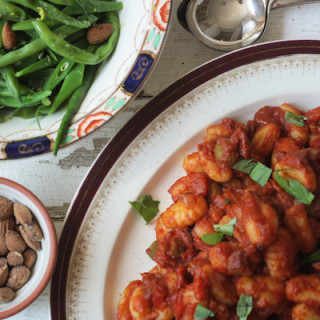 Smoky Bacon and Tomato Gnocchi with Zesty Green Bean Side