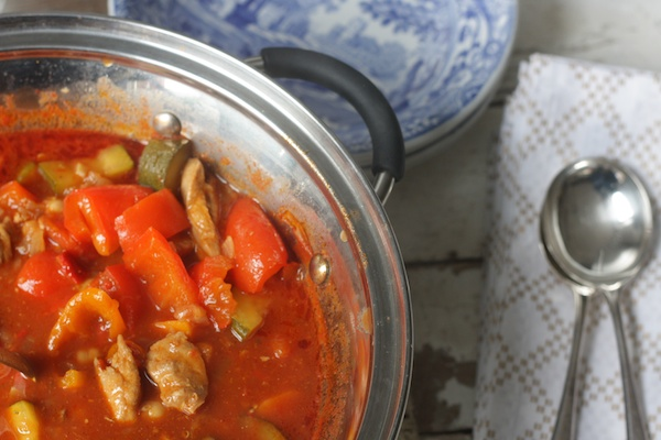 Chunky Paprika Chicken and Vegetable Pot on feedingboys.co.uk