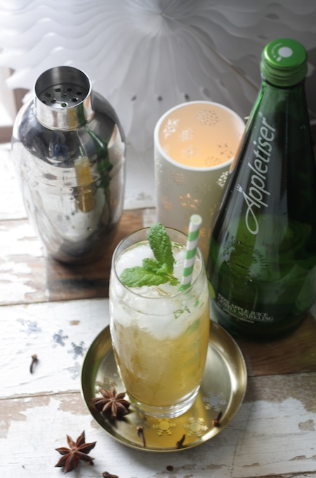 Spiced Apple Mojito Cocktail with Appletiser - quick and easy recipe for Christmas drinks