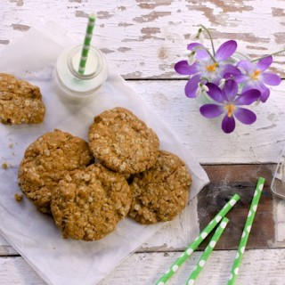 Golden Oat Cookies for Mother's Day