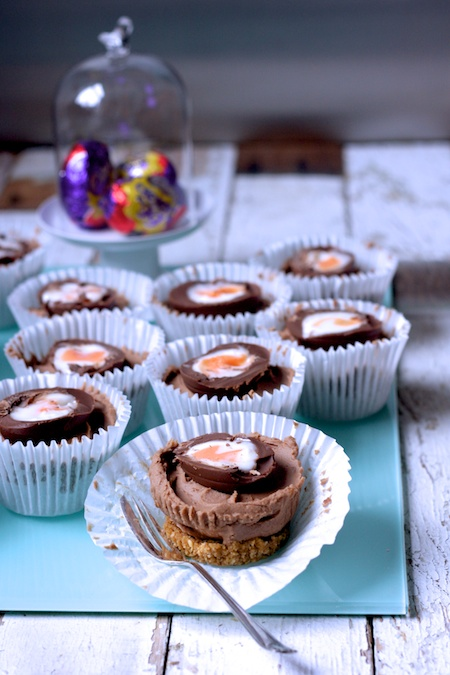Creme Egg Mini Chocolate Cheesecakes by Katie Bryson on feedingboys.co.uk