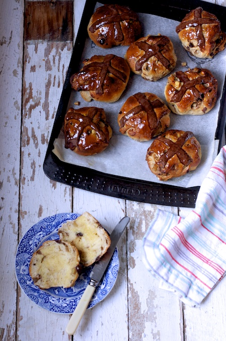 Hot Cross Buns with Dark Chocolate, Orange and Ginger on feedingboys.co.uk