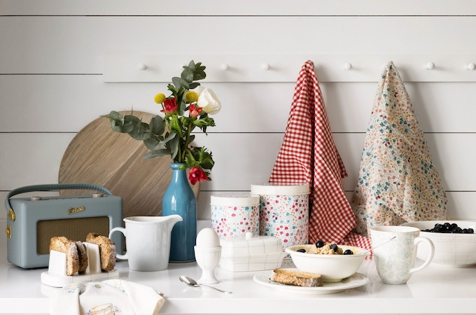 Win £40 to spend on kitchenware at House of Fraser via feedingboys.co.uk