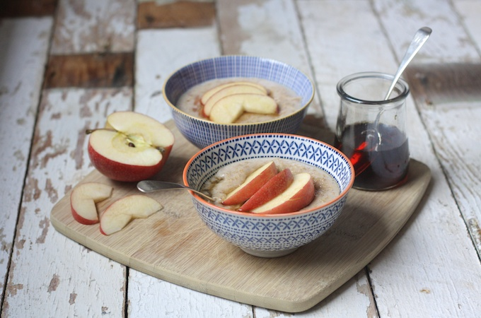 Spiced Apple and Maple Porridge on feedingboys.co.uk