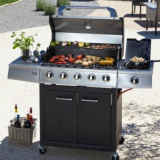 Win a £199 BBQ for your own #OffSeasonBBQ from George Home