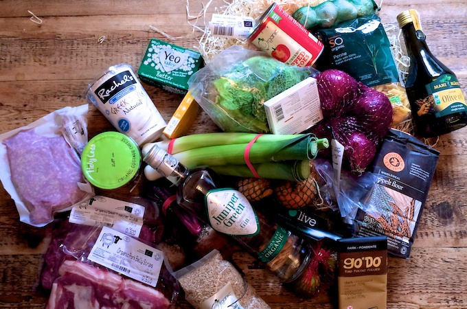 Contents of the box sent by the #OrganicUnboxed campaign on feedingboys.co.uk