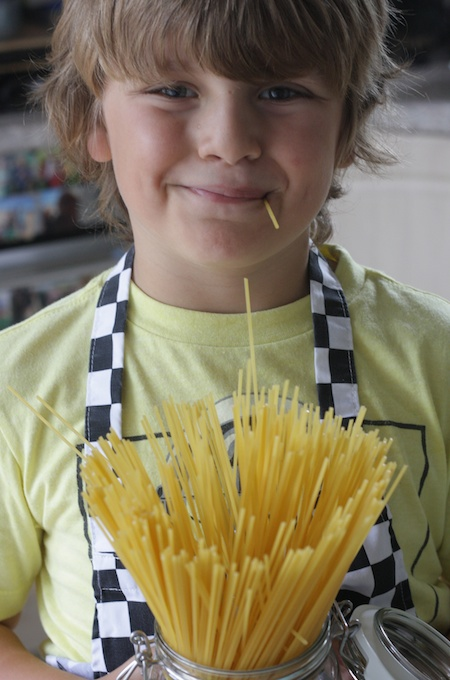 Top tips for cooking with kids on feedingboys.co.uk