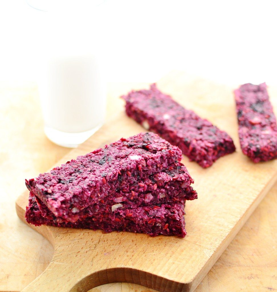 Blackberry Hazelnut Breakfast Bars from Everyday Healthy Recipes