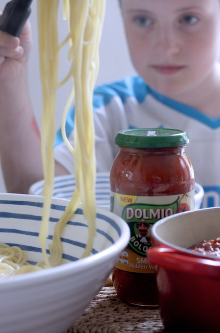 Top tips for a tech free table with Dolmio on feedingboys.co.uk
