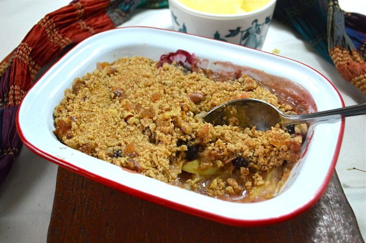 Blackberry-and-Apple-Crumble from Tin and Thyme