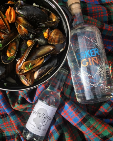 Scottish Gin & Tonic Mussels from Foodie Quine for Simple and in Season