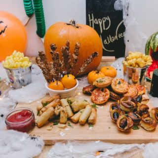 Halloween Kids Party ideas on feedingboys.co.uk #poweroffrozen - photography by sharrongibson.co.uk
