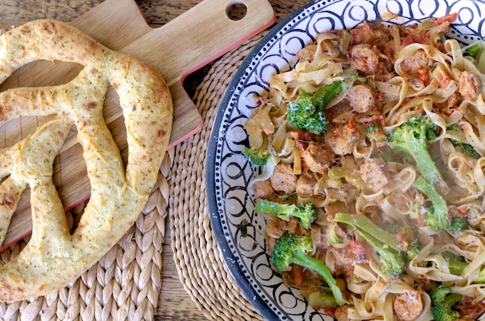 Vegetarian Sausage Pasta - A satisfying sausage supper perfect for warming up on winter evenings on feedingboys.co.uk