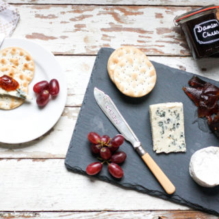 Edible gifting: How to make Damson Cheese on feedingboys.co.uk