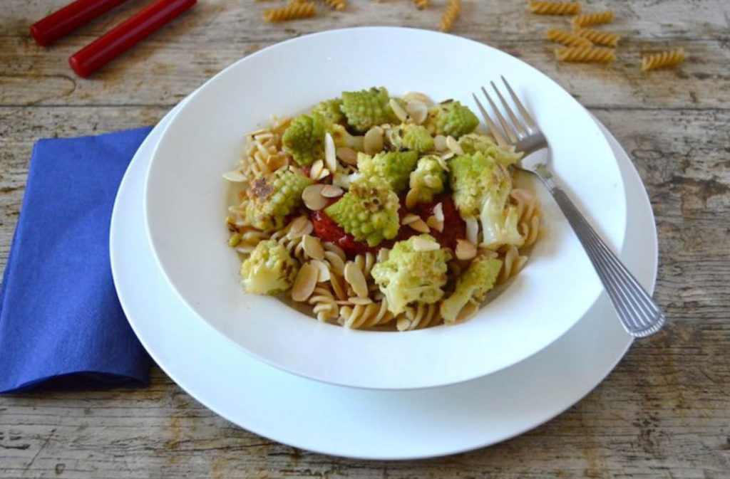 Easy Romanesco Pasta with Lemon and Garlic from Tin & Thyme for Simple and in Season on feedinboys.co.uk