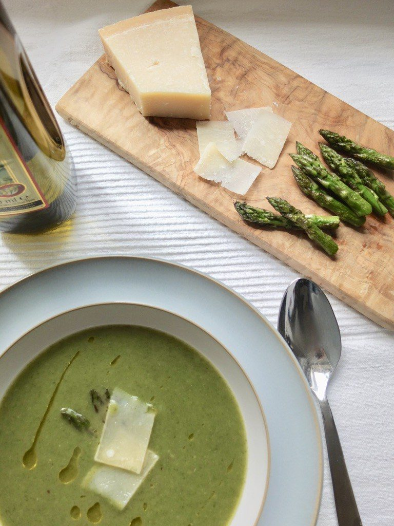 Asparagus and Spinach Soup from Jo's Kitchen Larder for Simple and in Season on feedingboys.co.uk