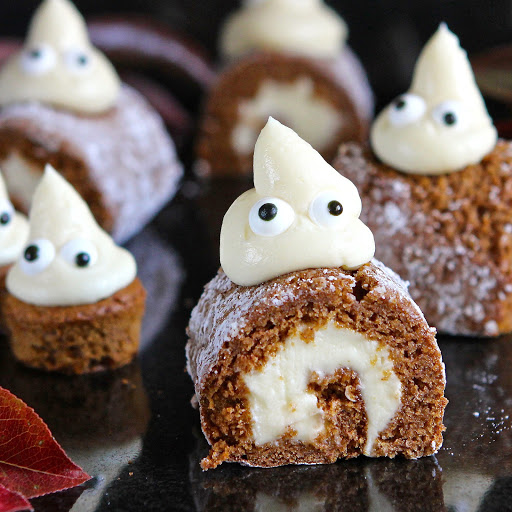 Halloween Pumpkin Mini Rolls by Gluten Free Alchemist for Simple and in Season on feedingboys.co.uk