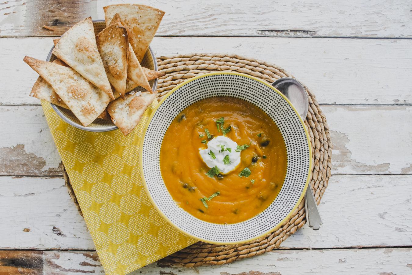 Slimming World Lunch Idea: Aromatic Carrot & Blackbean Soup on feedingboys.co.uk
