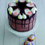 Georgia's Creme Egg Cake: Creme Egg Dessert Ideas on feedingboys.co.uk
