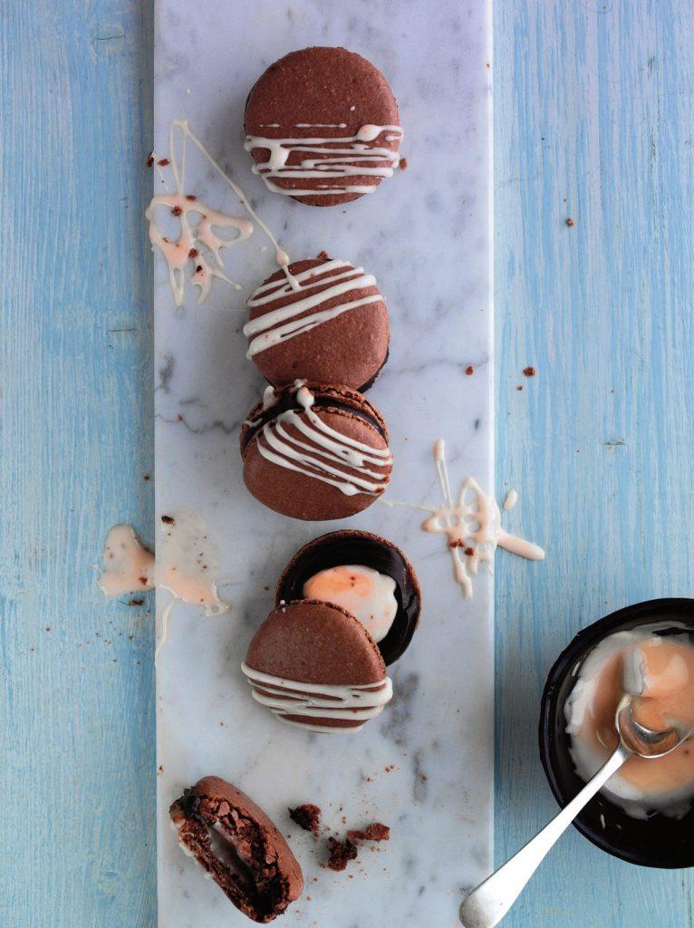 Cracking Creme Egg Macarons: Creme Egg Dessert Ideas on feedingboys.co.uk